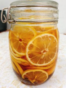 蜂蜜腌柠檬🍋 养颜又美容👰🏻
